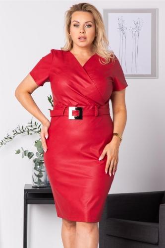 Sukienka wizytowa z eko skóry z paskiem i ozdobną klamerką PETARDA czerwona